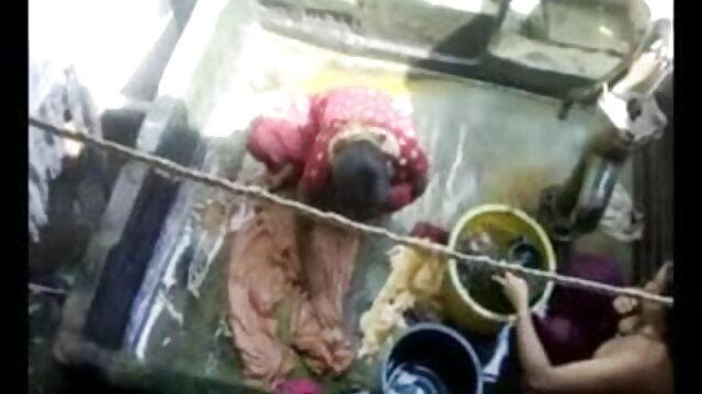 উলকি, সেক্সি গান দাও সেক্সি গান চাঁচা, মেয়েদের হস্তমৈথুন