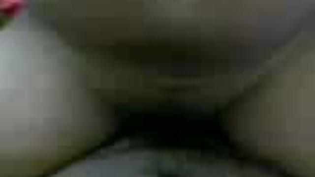 বড় সুন্দরী মহিলা, মোটা, বড়ো বাংলা সেক্সি বাংলা সেক্সি বাংলা সেক্সি পোঁদ