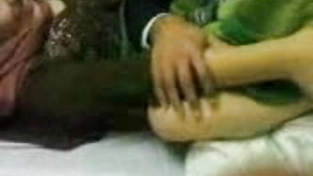 সুন্দরি হিন্দি সেক্সি ভিডিও গান সেক্সি মহিলার, লেসবিয়ান, নকল যৌনদণ্ড