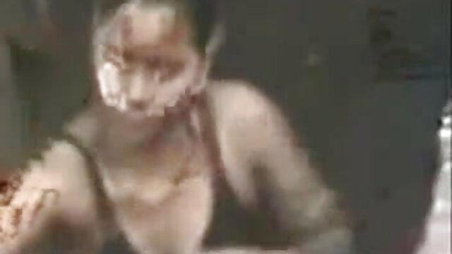 সুন্দরি সেক্সি বাংলাদেশী সেক্সি গান মহিলার পরিণত