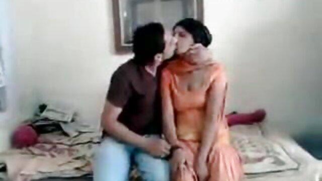 সুন্দরি সেক্সি মহিলার গান সেক্সি