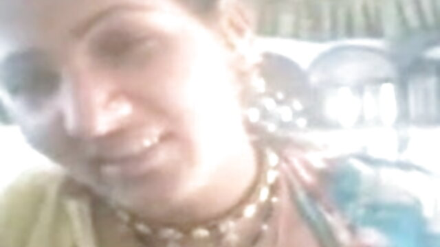 একাকী, মেয়েদের হস্তমৈথুন, খেলনা ইন্ডিয়ান সেক্সি গান