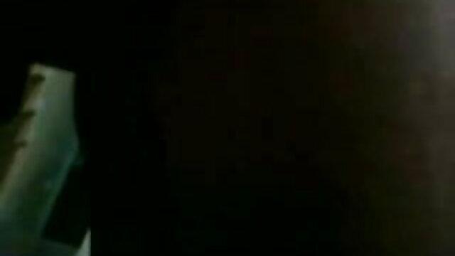 একজন বন্ধু কোষ, ক্যান্সার মলদ্বার মধ্যে মলদ্বার টিউব মধ্যে একটি পুরু সেক্সি সেক্সি গান স্ক্রু যোগ করা হয়েছে.