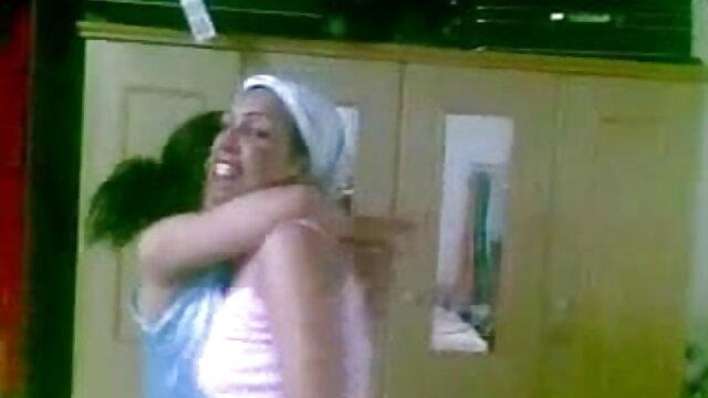 মম সুন্দরি সেক্সি গান ভিডিও সেক্সি মহিলার