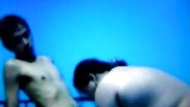 দুর্দশা, উত্যক্ত করা, উলঙ্গ নাচের সেক্সি সেক্সি গান