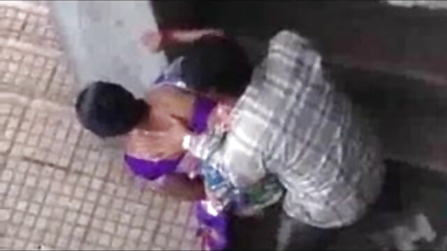 বড়ো মাই, সেক্সি হিন্দি গান সুন্দরি সেক্সি মহিলার