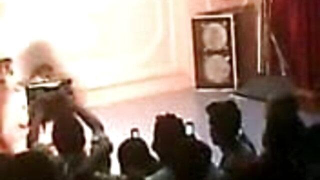 পুরানো-বালিকা বন্ধু সেক্সি গান দাও পুরানো-বালিকা বন্ধু