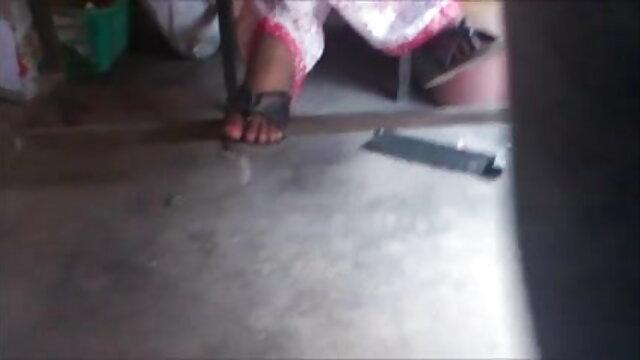অপেশাদার, বাংলা সেক্সি সং স্বামী ও স্ত্রী, দুর্দশা,