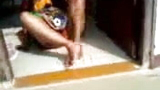 শ্যামাঙ্গিনী বিজ্ঞাপনে তরুণ বাংলাদেশী সেক্সি গান প্রাঙ্কস্টার একটি মিলিয়ন