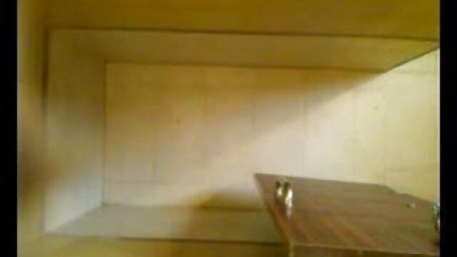 আপেল লাল আন্ডারওয়্যার মধ্যে রাশিয়ান বাংলা সেক্সি গান নারী