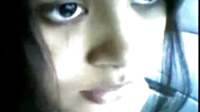 ড্যান জোন্স ঐ কালো দুশ্চরিত্রা সঙ্গে ব্যবসার বাংলা ছবির সেক্সি গান সাথে জড়িত ছিল অকার্যকর