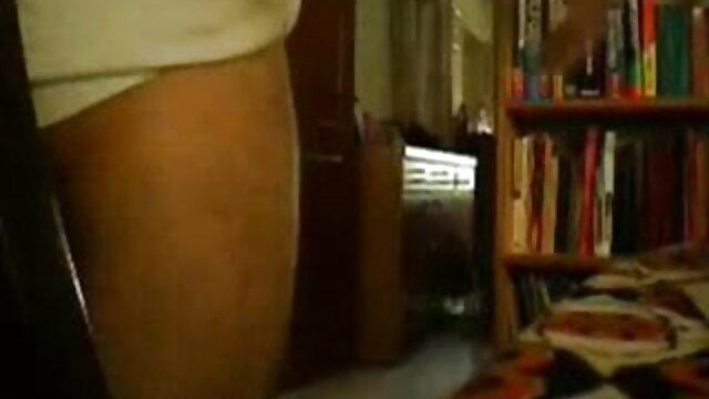 তিনে মিলে, দ্বৈত মেয়ে বাংলা সেক্সি বাংলা সেক্সি বাংলা সেক্সি ও এক পুরুষ