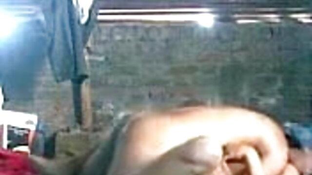 যোনি মধ্যে দুই সদস্য, গাধা মধ্যে এক, বা এমনকি সেক্সি সেক্সি গান একই সময়ে