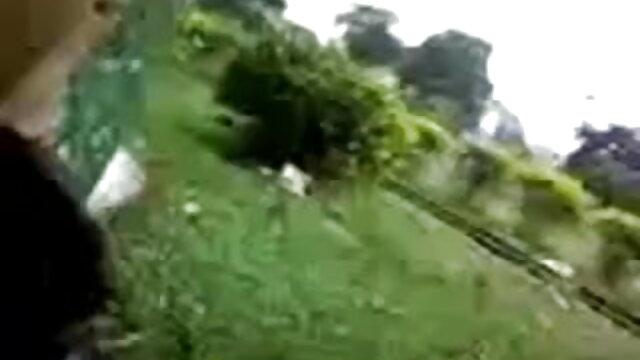 বড় সুন্দরী মহিলা, বড়ো পোঁদ, সেক্সি ভিডিও বাংলা গান উদ্ভট কল্পনা