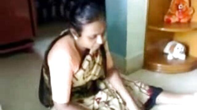 মডেল ব্লজব সেক্সি গান দাও দুর্দশা