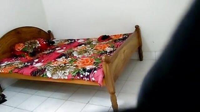 বড় সুন্দরী মহিলা, বড়ো পোঁদ বাংলা সেক্সি গান