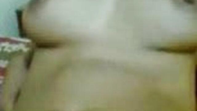 বড় সুন্দরী মহিলা, বড়ো পোঁদ, মোটা, উদ্ভট কল্পনা সেক্সি ইংলিশ গান
