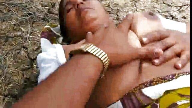 বহু পুরুষের এক নারির, প্রহার করা সেক্সি ভোজপুরি ভিডিও গান