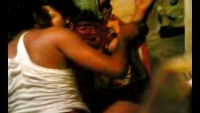 স্বামী হিন্দি সেক্সি সং ও স্ত্রী, বড়ো পোঁদ