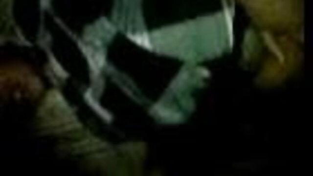 ব্লজব দ্বৈত মেয়ে ও এক পুরুষ সেক্সি ভিডিও বাংলা গান দুর্দশা হাতের কাজ