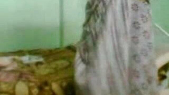 সুন্দরি সেক্সি মহিলার, গান সেক্সি পরিণত